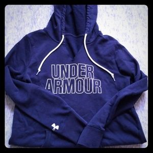 Pullover, hooded sweatshirt